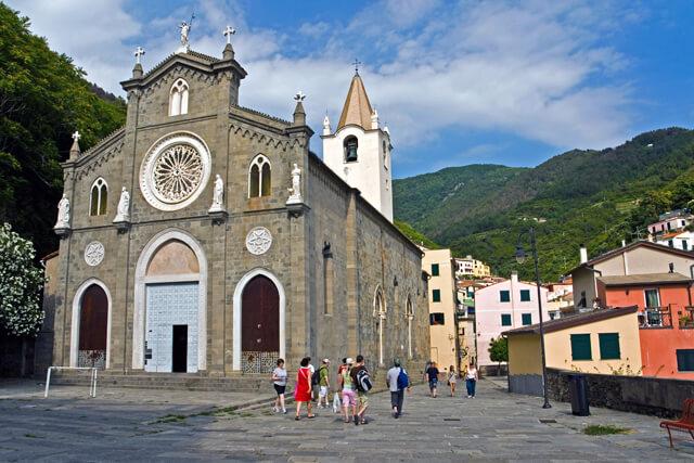 Riomaggiore, cerkev