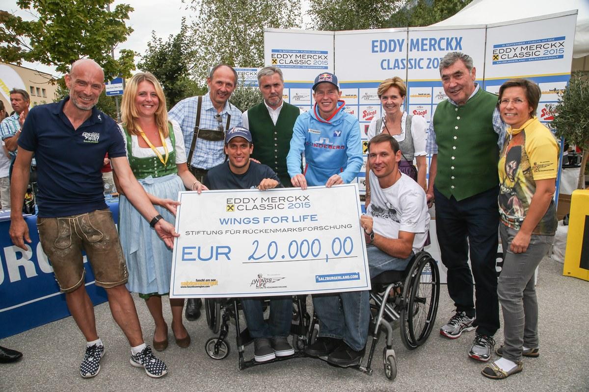 20.000 evrov za fundacijo Wings for Life so zbrali z dragimi štartninami tistih, ki imajo denar, in ne po principu evro na evro (od revežev za reveže). Foto: Franz Neumayr/SalzburgerLand Tourismus